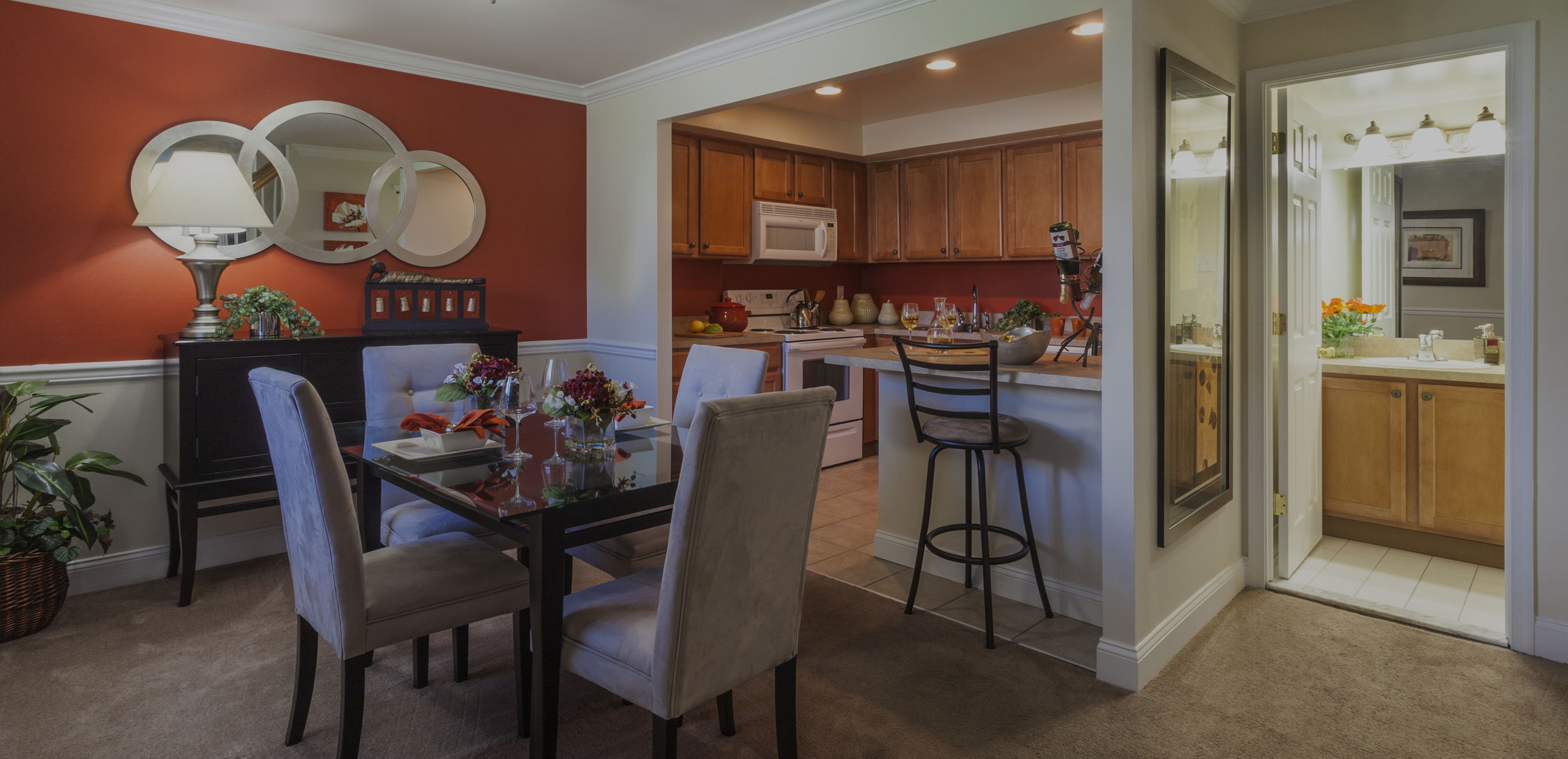 Townline Townhomes Dining Area & Kitchen