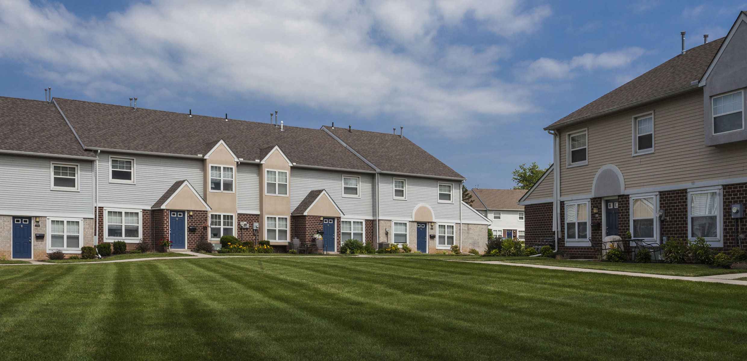 Townline Townhomes Exterior